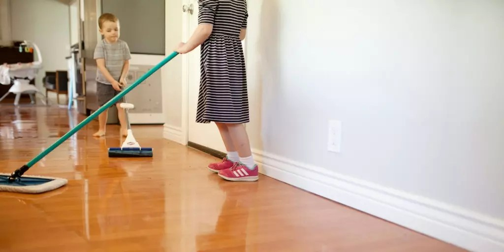 How to Juggle Housework & Homeschooling